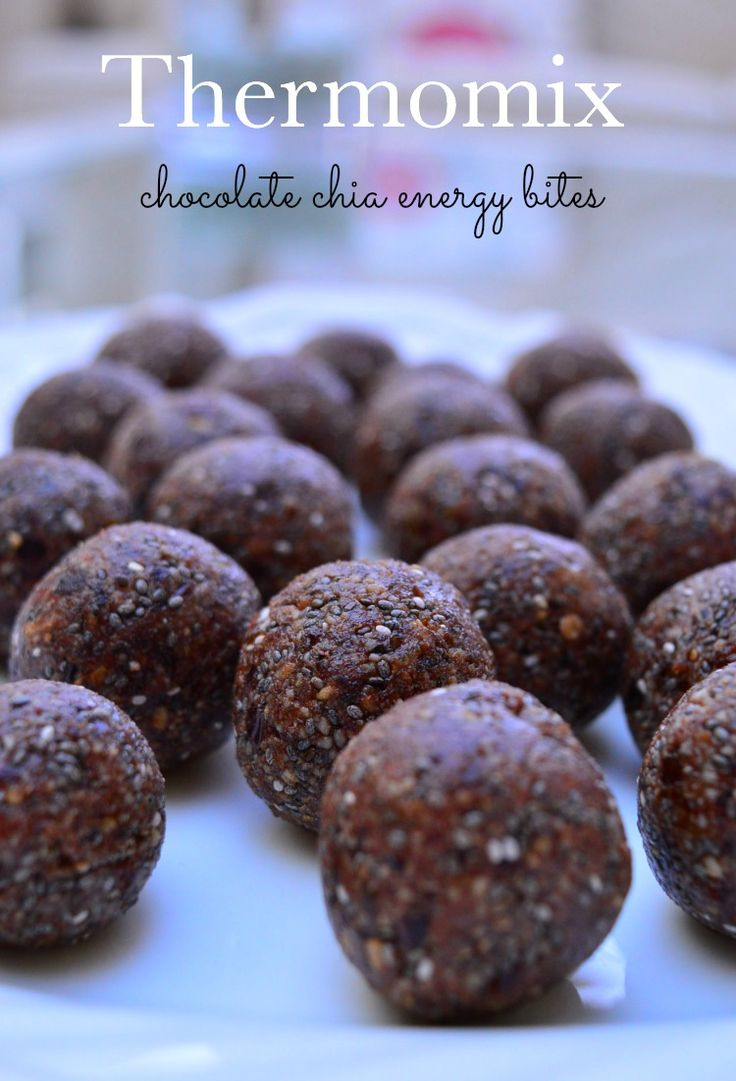 Chocolate Chia Energy Bites. Delicious afternoon snack full of goodness and so easy to make in the Thermomix. #thermomix #energybites