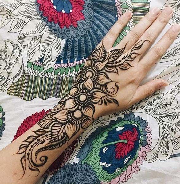 Unique Mehndi Design