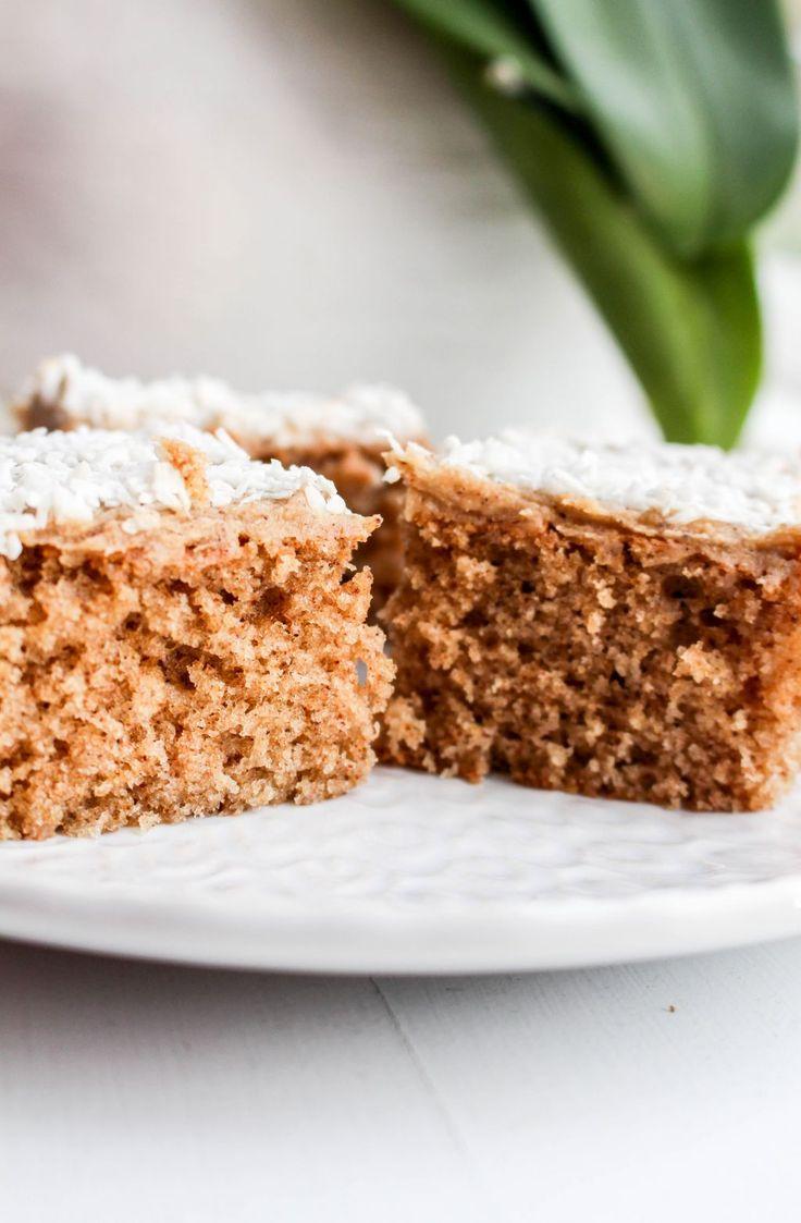 Inlägget innehåller annonslänk för KitchenTime. Hörni, dags för ytterligare ett recept idag. Den här kunde liksom inte vänta. Det är en kaka som jag kan lova dig att du kommer få så galet mycket beröm för. Den är så sjukt god! Kaffet och pepparkakssmaken gifter sig så fantastiskt fint med varandra.