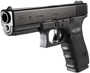 """GLOCK 21 .45 AUTO      GLOCK 21  An american icon    The """"big bore"""" .45 caliber belongs to the United   States like stars and stripes. Americans have   always had a very special relationship with this  timeless caliber. The GLOCK 21 gives you everything   you would expect of a ..45 pistol. Countless law enforcement   units swear by this superior pistol for more than just its   above-average magazine capacity of 13 rounds."""