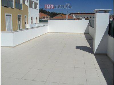 Apartamento T2 com Terraço de 107 m2