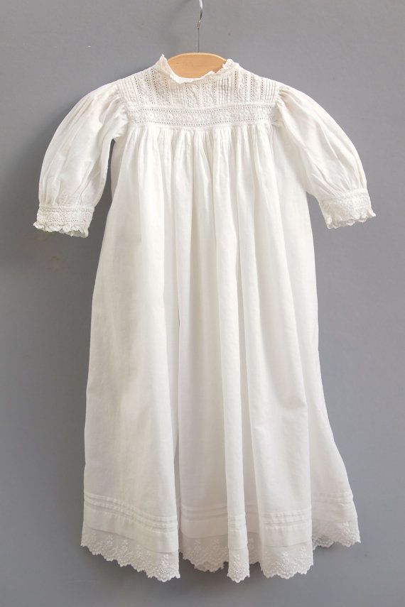 Old Fashioned White Baby Gowns Ideas - Images for wedding gown ideas ...