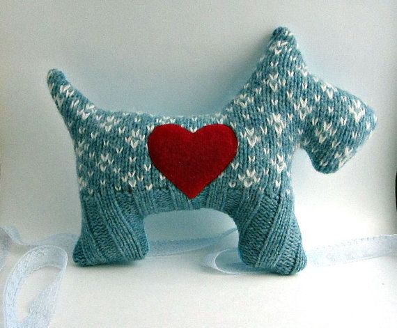 sweater scottie dog!: Sweaters Stuffed Animal, Pillows Sweaters, Sweaters Scottie, Pillows Plush, Scottie Dogs, Dogs Pillows, Blue Patterns, Stuffed Animal Shape Pillows, Upcycled Sweaters