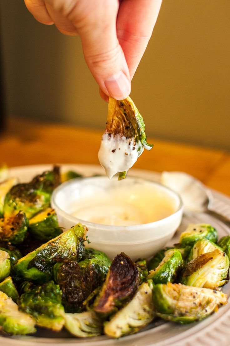 recipe / roasted brussels sprouts with garlic aioli