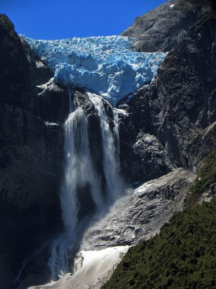 Cascada del Ventisquero Colgante, Chile
