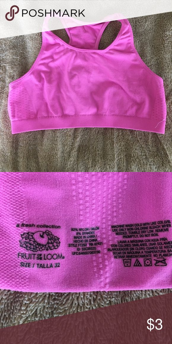 Girls sports bra size 32 Girls sports bra size 32 Fruit of the Loom Other
