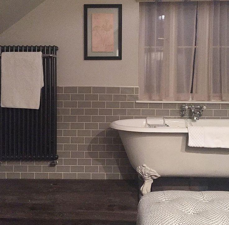 25 best ideas about brockenhurst f c on pinterest for Forest bathroom ideas
