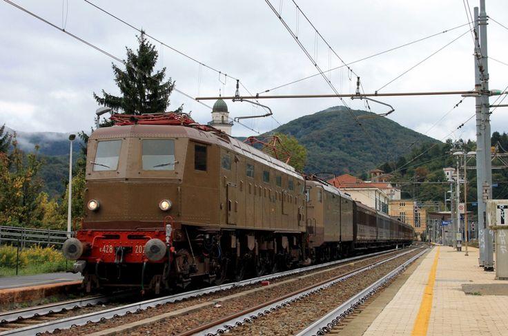 FS E428 202, Heritage train Genova Brignolee - Ronco Scrivia