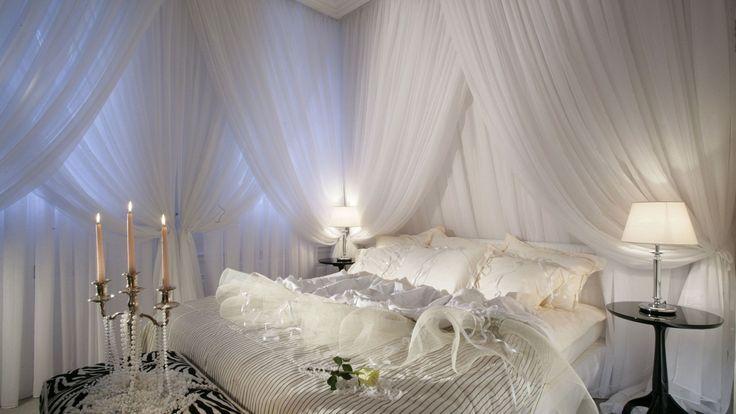 1000+ Ideas About Romantic Bedroom Colors On Pinterest