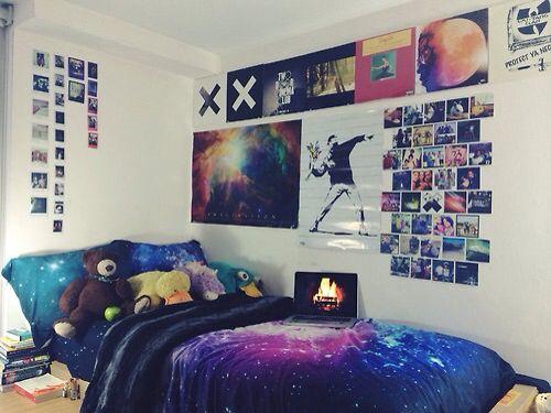 Grunge room, galaxy
