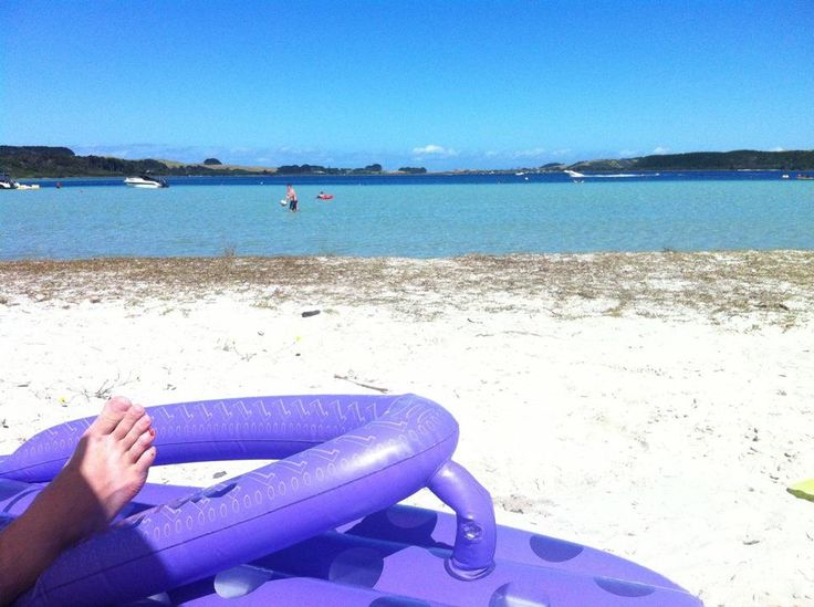 We love Kai Iwi Lakes for an amazing NZ summer with Kids, so serene and safe.