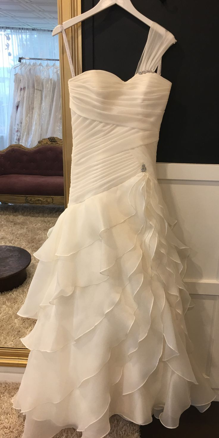 Alfred Angelo , size 4 $1300-