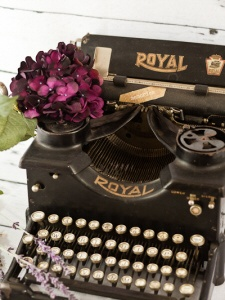 Antique Royal Typewriter. Vintage Party Props. Vintage wedding and photography rentals. Louisville Kentucky vintagepartyprops.com