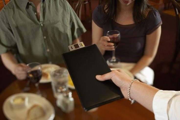 Trucos de los restaurantes para hacer que gastemos más http://www.redestrategia.com/trucos-de-los-restaurantes-para-hacer-que-gastemos-mas.html