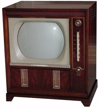 commercial television network programming did not begin in the U.S. until 1948