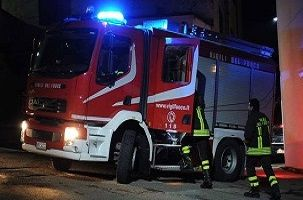 Incendio in un poligono di tiro a Torino, un morto