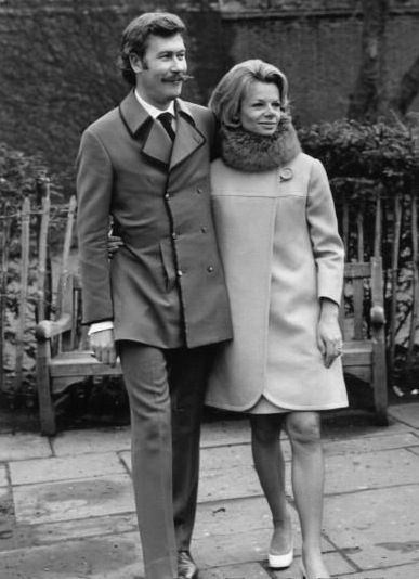23rd April 1968: Playwright John Osborne (1929 - 1994) with his wife, actress Jill Bennett (1930 - 1990) in the King's Road, London after their wedding in the Chelsea Register Office. (Photo by Aubrey Hart/Evening Standard/Getty Images)