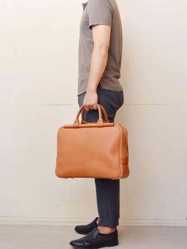棒屋根ファスナービジネスバッグ(G-64) アンバー 手持ち 男性モデル