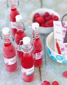 Mit Wodka und Himbeergeist: Himbeerlimes - Coole Drinks mit und ohne Alkohol - [LIVING AT HOME]