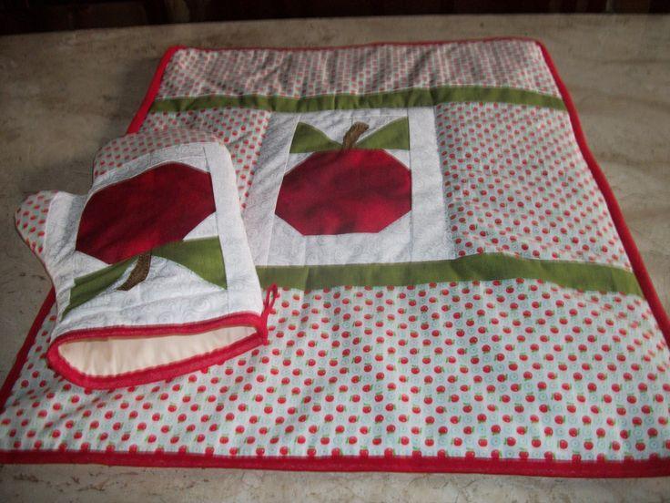 Toalha para fogão +luva para cozinha patchwork artsboomer.blogspot.com.br
