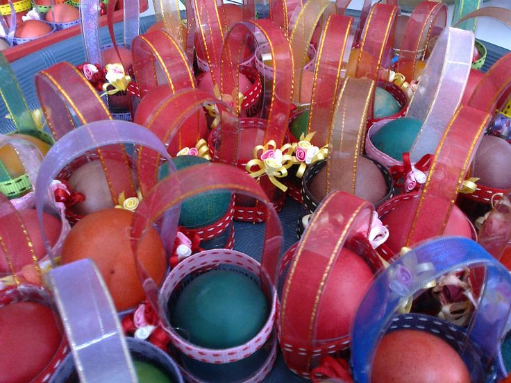 Telur Paskah dalam keranjang