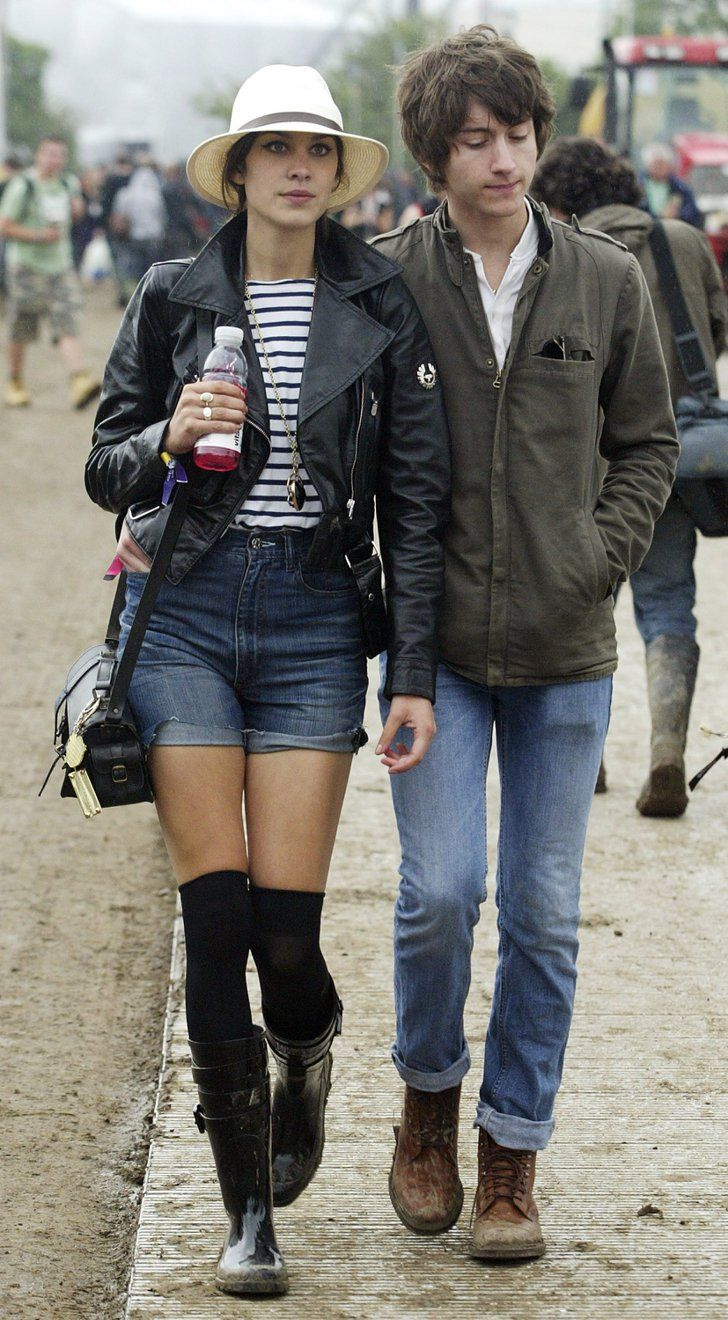 Pin for Later: 29 Times Brit Girls Ruled With Their Glastonbury Style Alexa Chung, 2008 With Alex Turner.