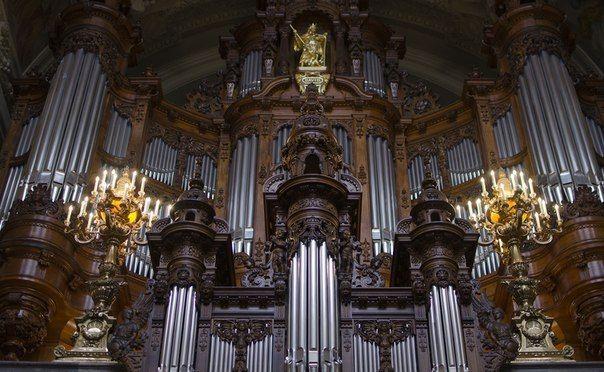 Афиша бесплатных органных концертов на октябрь