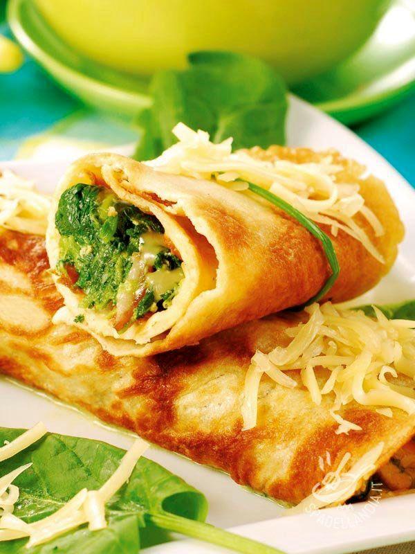 Rolls omelet with spinach and gruyere - I Rotolini di frittata con spinaci e groviera sono il modo migliore per trasformare un piatto buono e semplice in una preparazione sofisticata. #frittataconspinaci #frittatacongroviera