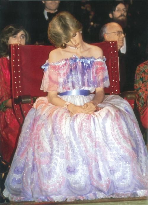 One of my favorite Pictures of Princess Diana - she was newly pregnant with Prince William at a ballet performance and must have been very tired!