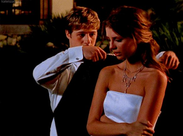 12 Surefire Tips For Picking Up Girls, According To Ryan From 'The O.C.'