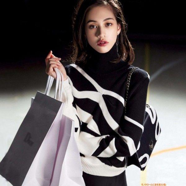 D casa nuova stella con la grande S Ying Yang ha colpito il colore in bianco e nero a strisce maglione onde maglione femminile