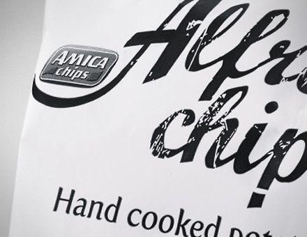 ALFREDO'S  (09/04/2009)  Una patatina buonissima. Più spessa e più croccante.  Nel mercato delle patatine l'innovazione di prodotto è una leva determinante per estendere il territorio e elevare il valore percepito della brand. Questo progetto affascinante inizia con l'individuazione del posizionamento e del nome di prodotto per poi svilupparsi attraverso il packaging design e una campagna stampa di successo.
