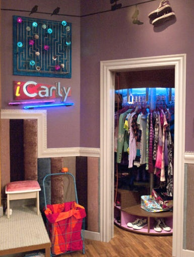 A remote-controlled revolving clothing rack from iCarly