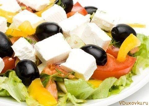 греческий салат с тофу