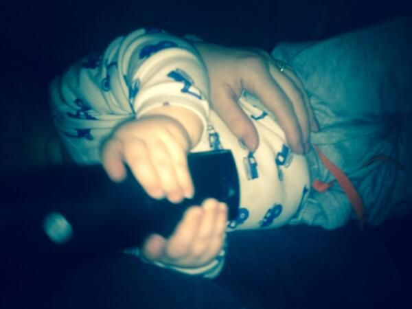 denise horan(kelly) (Denisehorankell) on Twitter >>>> awww he fell asleep with the remote in his hands