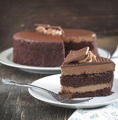 Receta de Pastel de Bizcocho y Mousse de Chocolate