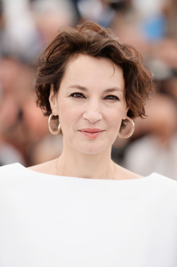CANNES, FRANCE - MAY 18:  Actress Jeanne Balibar  attends 'Barbara' Photocall during the 70th annual Cannes Film Festival at Palais des Festivals on May 18, 2017 in Cannes, France.  (Photo by Stephane Cardinale - Corbis/Corbis via Getty Images) via @AOL_Lifestyle Read more: https://www.aol.com/article/lifestyle/2017/05/17/best-of-beauty-at-the-cannes-film-festival-2017/22095827/?a_dgi=aolshare_pinterest#fullscreen