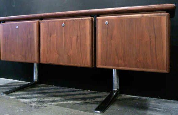 warren platner buffet enfilade acajou noyer et chrome ann es 60 ann es 60 70. Black Bedroom Furniture Sets. Home Design Ideas