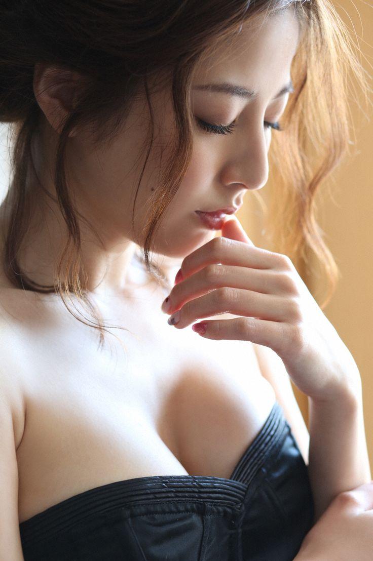 Yumi Sugimoto (杉本有美), Weekly Playboy, 2015, No.18 (#1/7)