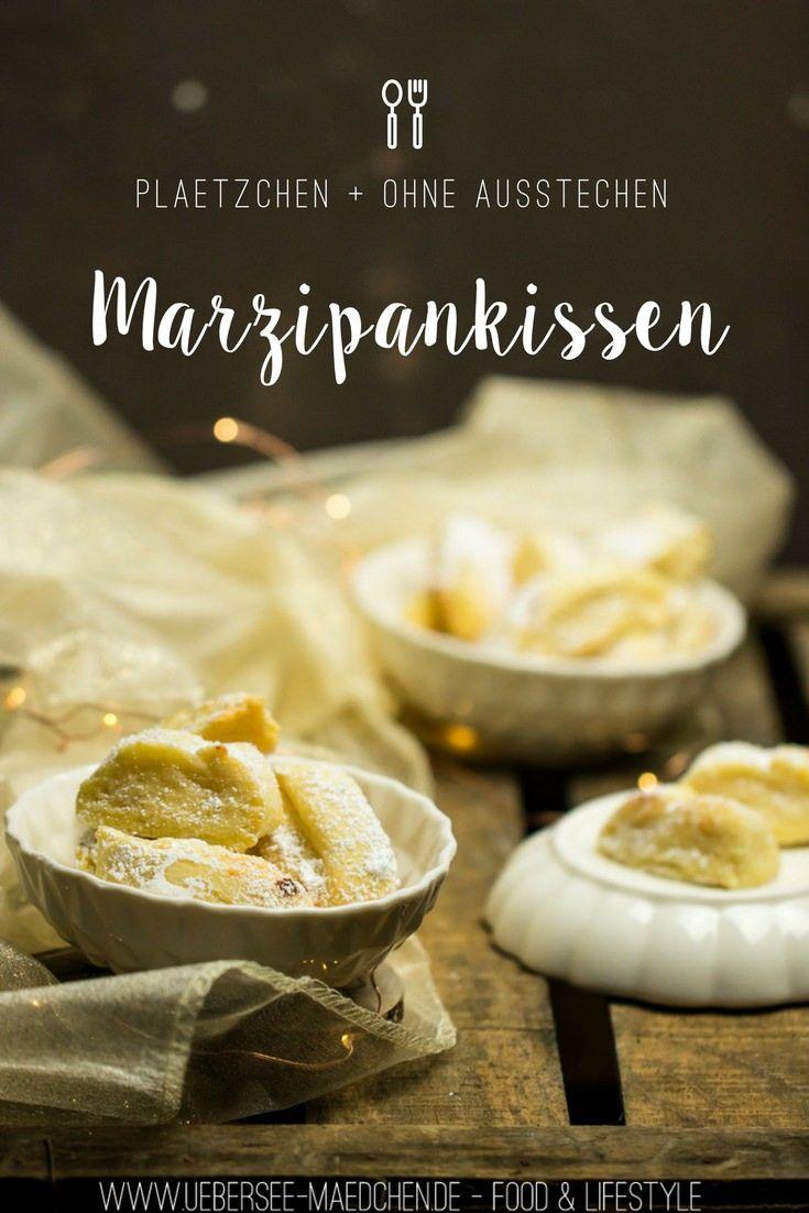 Marzipankissen-Plätzchen sind einfach ohne Ausstechen und enthalten ebenso viel Marzipan wie Mehl. Aufgerollt sind sie raffiniert und doch für jeden machbar. Und sie sind so weich und mürbe, dass sie fast im Mund zergehen - die Lieblings-Plätzchen meines Liebsten. Ein Rezept von ÜberSee-Mädchen Foodblog Bodensee Überlingen | Recipe for german Christmas cookies made with a lot of yummy marzipan