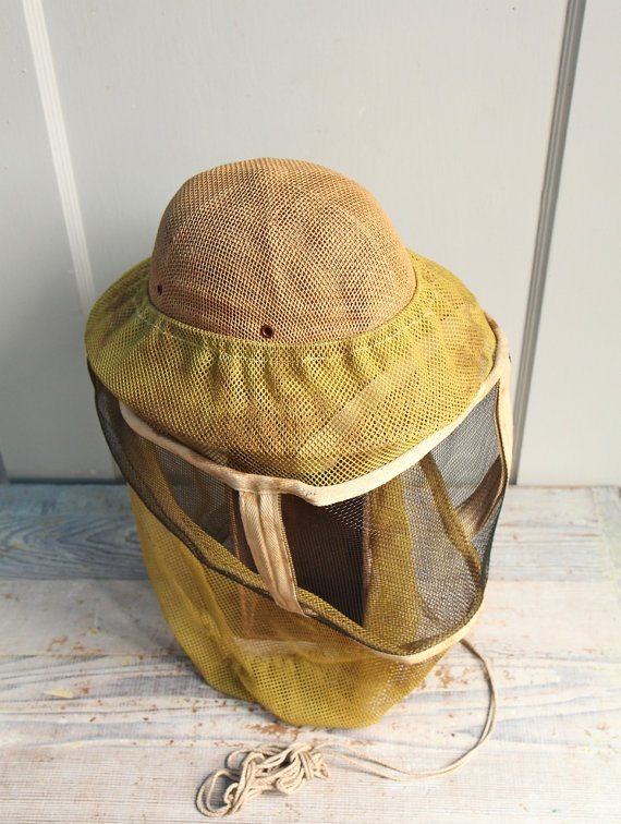 I am so sad that this was already sold; would've bought it in a heartbeat. (Vintage Beekeepers Hat and Veil by ethanollie on Etsy)