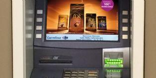 Le distributeur automatique de billets devient un support d'affichage publicitaire de plus en plus apprécié des marques.