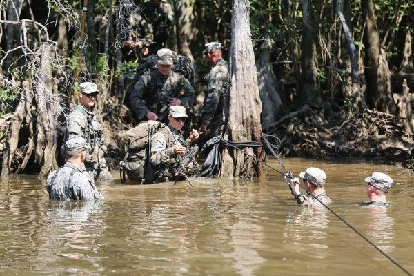 Lightning Strikes 44 Soldiers and Instructors at Army Ranger ...