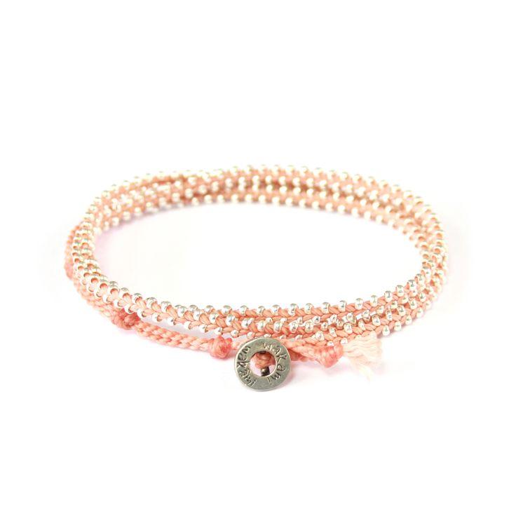 Triple Wrap - #armband från #Wakami i #silver och #aprikos. En gåva som fortsätter att ge... Look good. Do good.