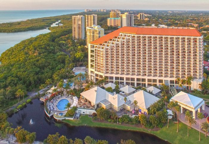 All the Pieces of Paradise: Florida's Naples Grande Beach Resort