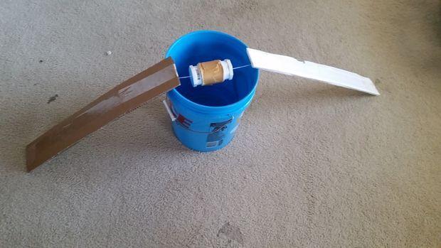 Piège à fabriquer à la maison pour attraper les souris vivantes!