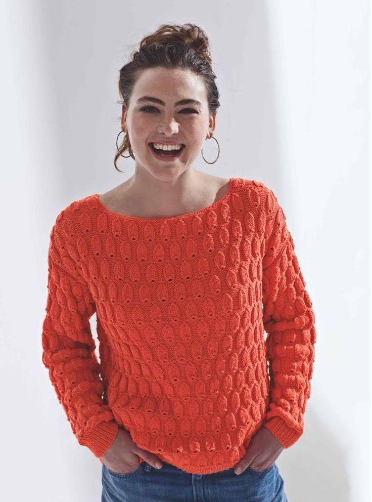 Réalisez vous même ce pull à l'encolure dégagée, tricoté dans un fil frais de couleur vitaminé. Tailles : a) 34/36; b) 38/40; c) 42/44; d) 46/48; e) 50/52. Le matériel : Fil à ...