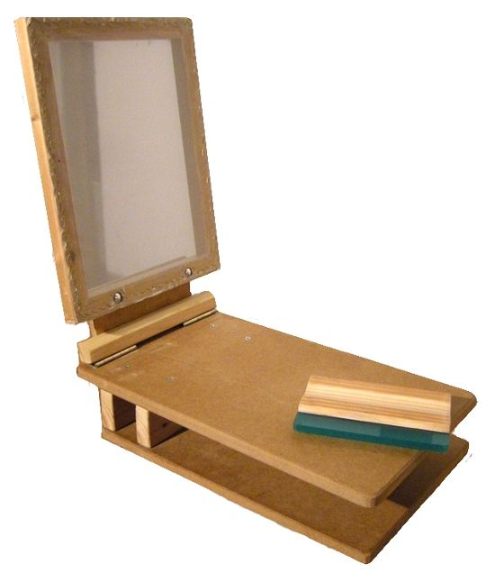 DIY-Siebdruck-Gerät (via offene-werkstaetten.org)