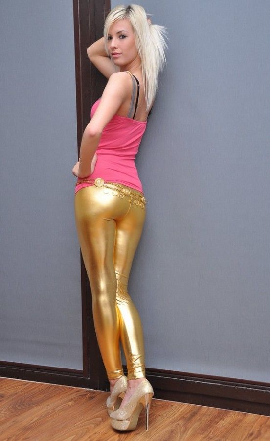 Shiny dress pantyhose gold nails 8