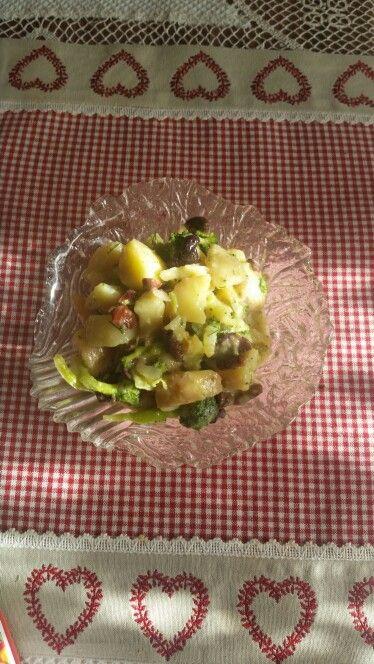 Salata de cartofi cu brocolli